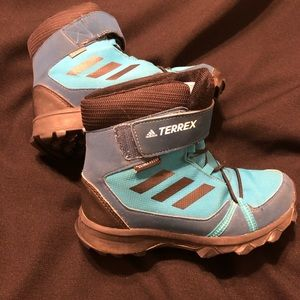 Boys Adidas climaproof Snow Boots blue size 13K